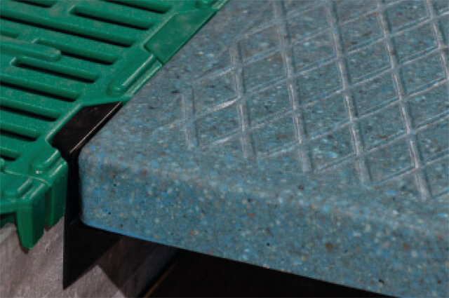 Ferkelheizung-aus-Polymer-Beton-Detail